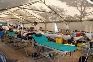 collecte de sang sous un chapiteau