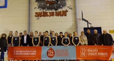 photo du club de basket BCSS lors de la promotion du don de sang