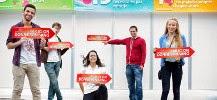 Photo de jeunes unis pour le don du sang