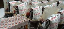 photo des produits sanguins et de leurs tubes pour analyses