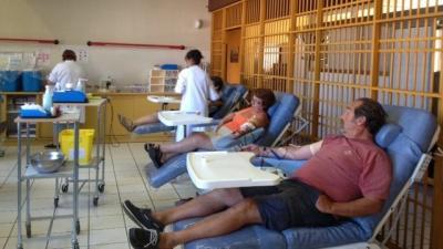 Photo d'une collecte de don du sang dans une salle de collecte
